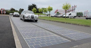 Dünyanın İlk Güneş Panelli Yolu : WattWay
